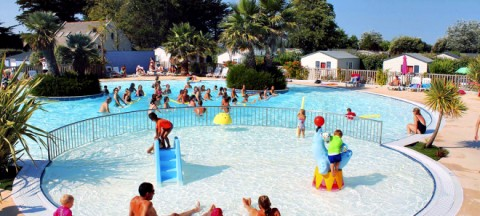 Water sports at Village La Plage campsite in Penmarch