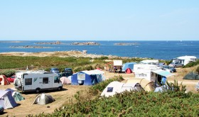 Municipal de Landrellec campsite by the sea