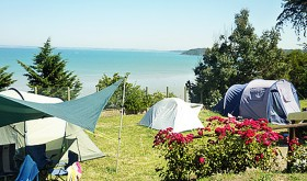 Rentals with a sea view at Les Fauvettes campsite in Brittany