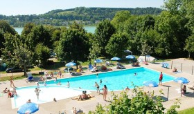 The pool of Le Grand Lac campsite